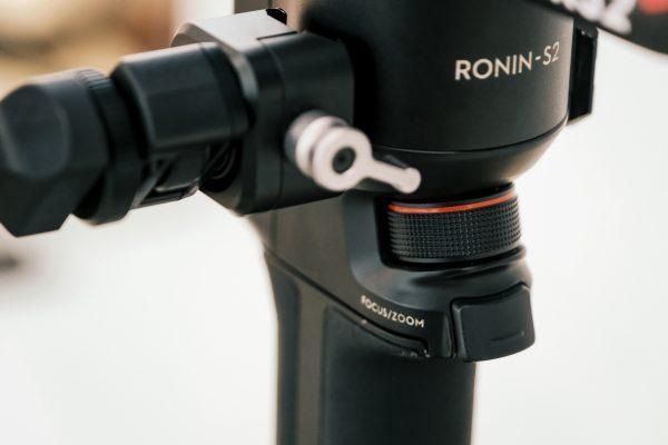 RS2 gimbal tích hợp bánh xe lấy nét
