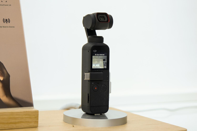 DJI Osmo Pocket 2 combo có kích thước nhỏ gọn, đẹp mắt