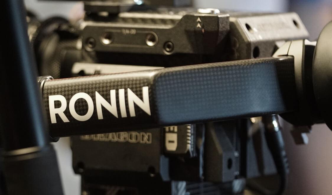 Gimbal DJI Ronin 2 sử dụng chất liệu carbon nguyên khối đặc biệt