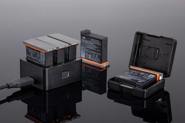 Bộ sạc pin DJI cho Osmo Action sạc cho 3 pin cùng một lúc