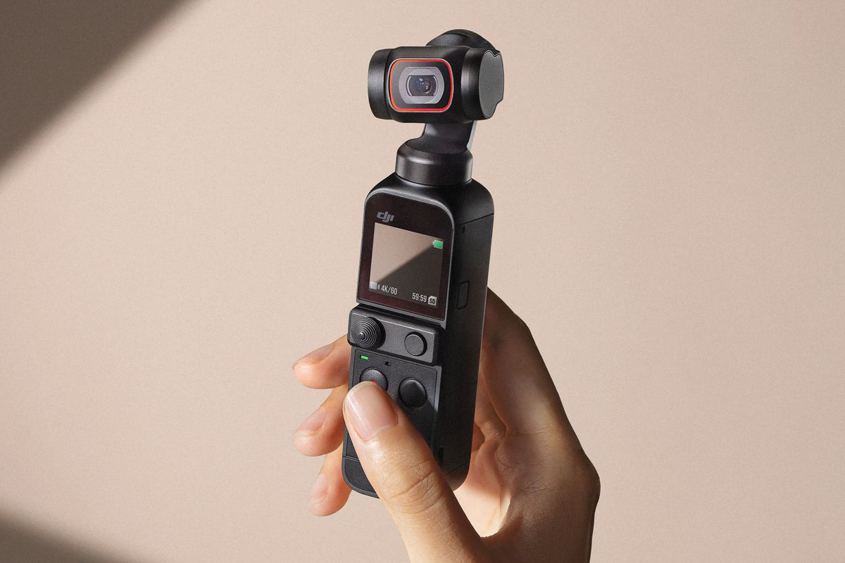 DJI Pocket 2 là một máy ảnh cầm tay mini giúp ổn định