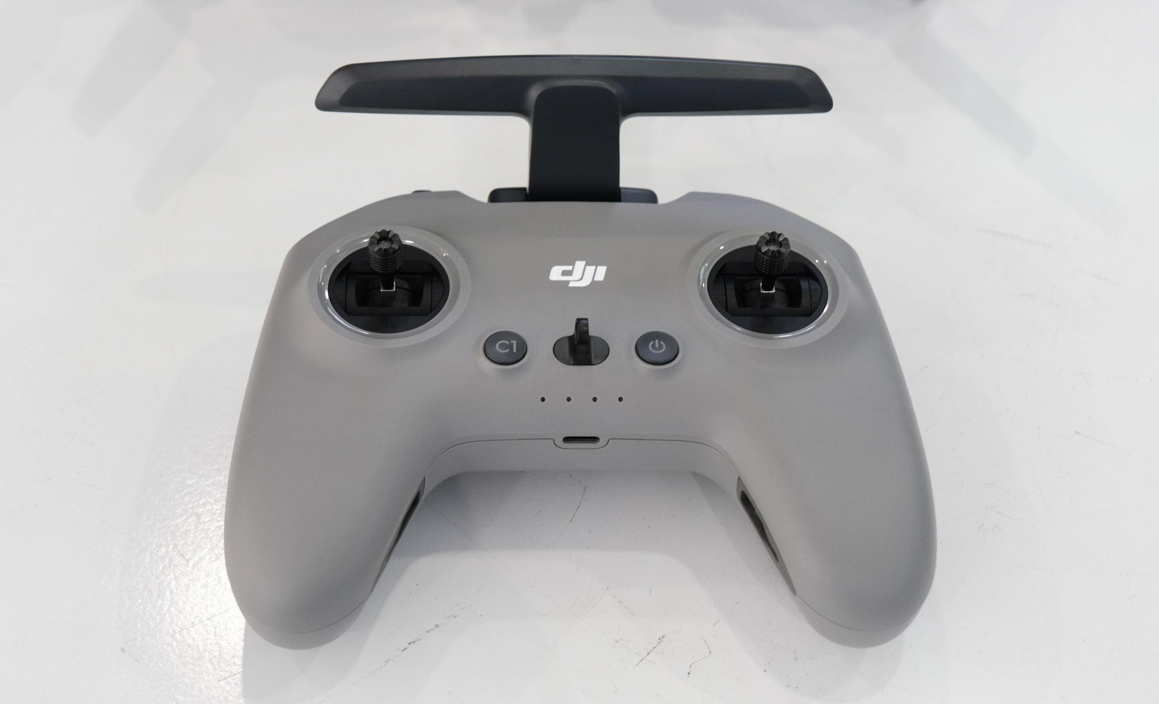 Bộ điều khiến từ xa của DJI FPV Drone